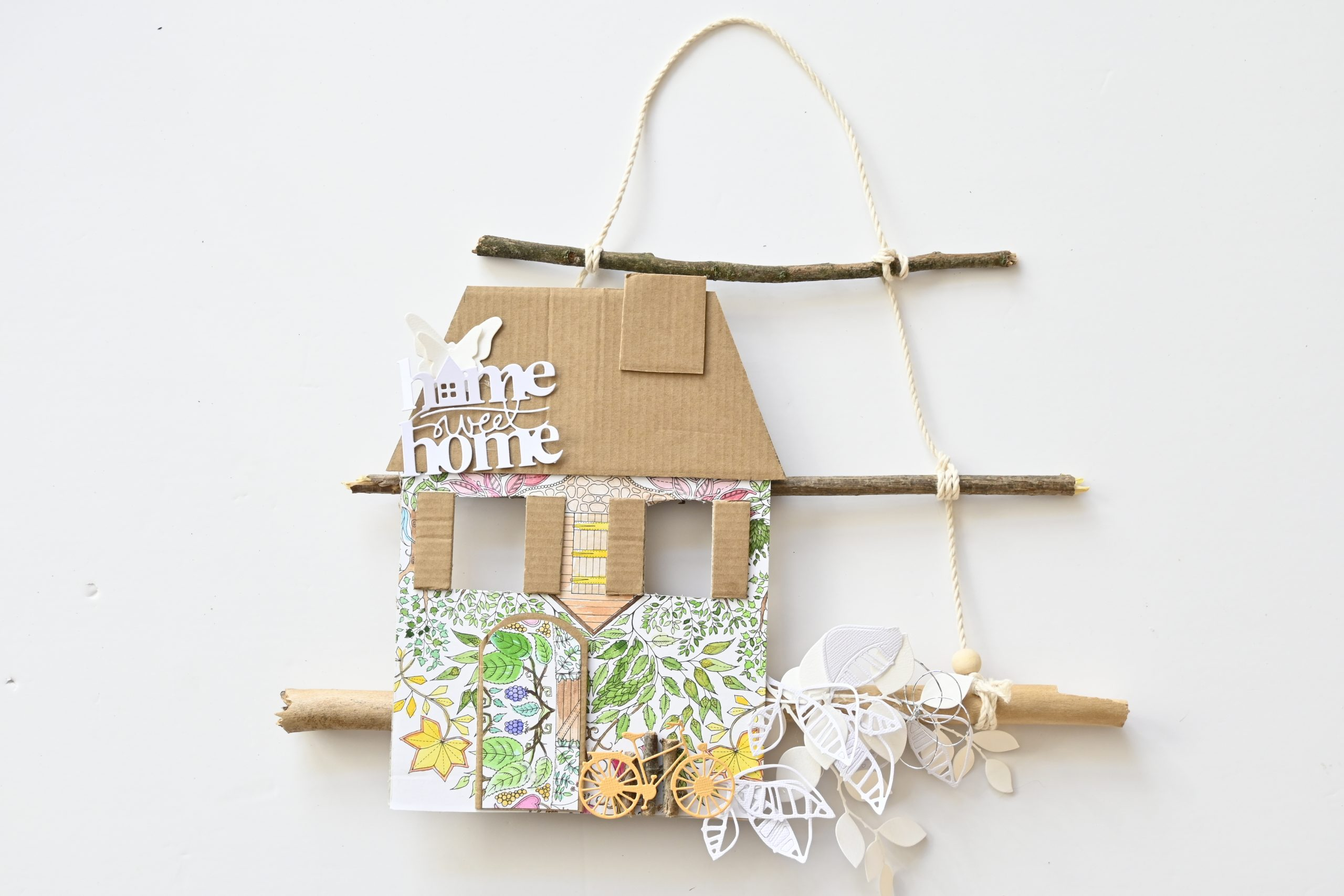 maison mobile aquarelle carton et bois scrapbookink
